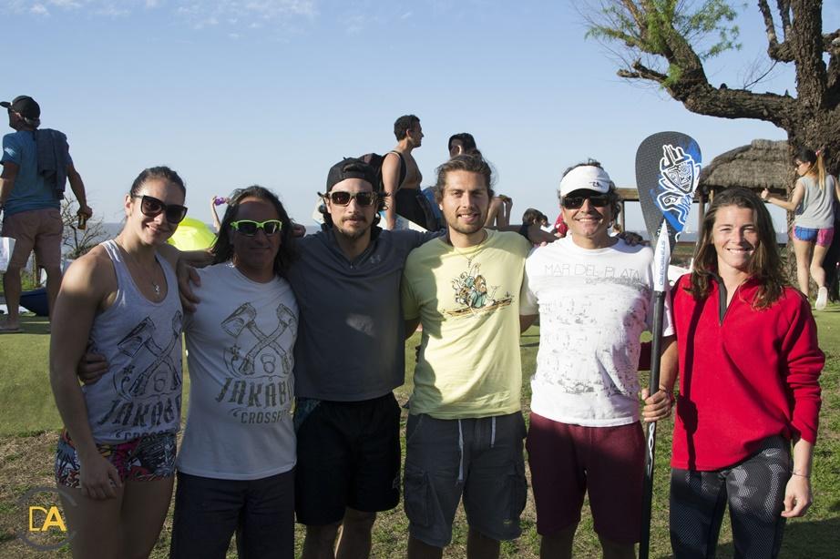 Jakabol, mar del plata , y los organizadores del evento de sup en Peru beach